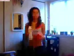 hawt hawt oriental livecam chick dancing to the