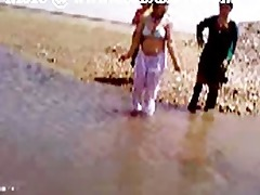 pakistani sindhi karachi aunty exposed river