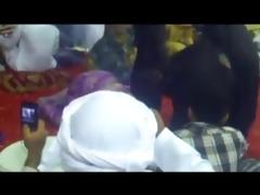 omg! thick arab honeys twerking! (must watch)