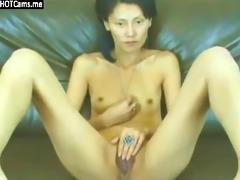 slim oriental d like to fuck rubbing her pussy
