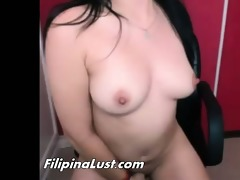 chunky filipina floozy didlo fucking