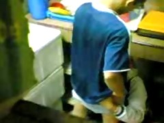 indonesian-ngintip jilbab di dapur
