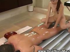 oriental masseuse sucks clients shlong
