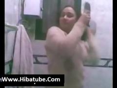 egyptian hawt chicks show her body in bath 9 (new)